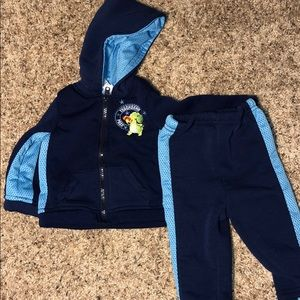 Other - NWOT Baby/Infant Hoodie and Pants Set size 6-9 mo